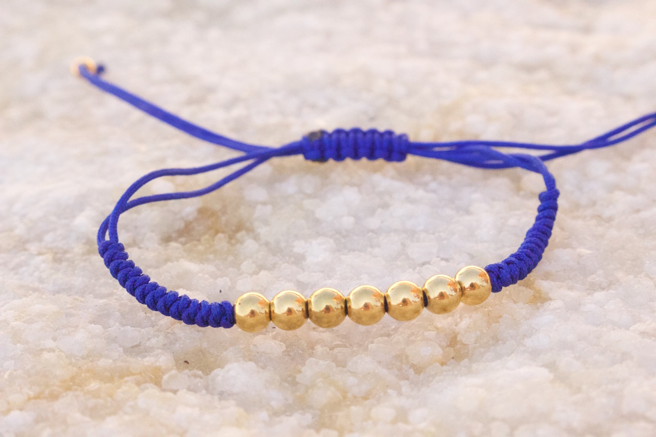 18kt Yellow Gold Blue Micro Macrame Bracelet
