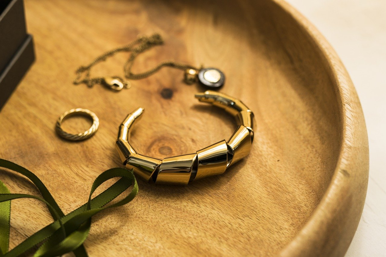 Bangle Bracelet Size Guide -What You Need to Know