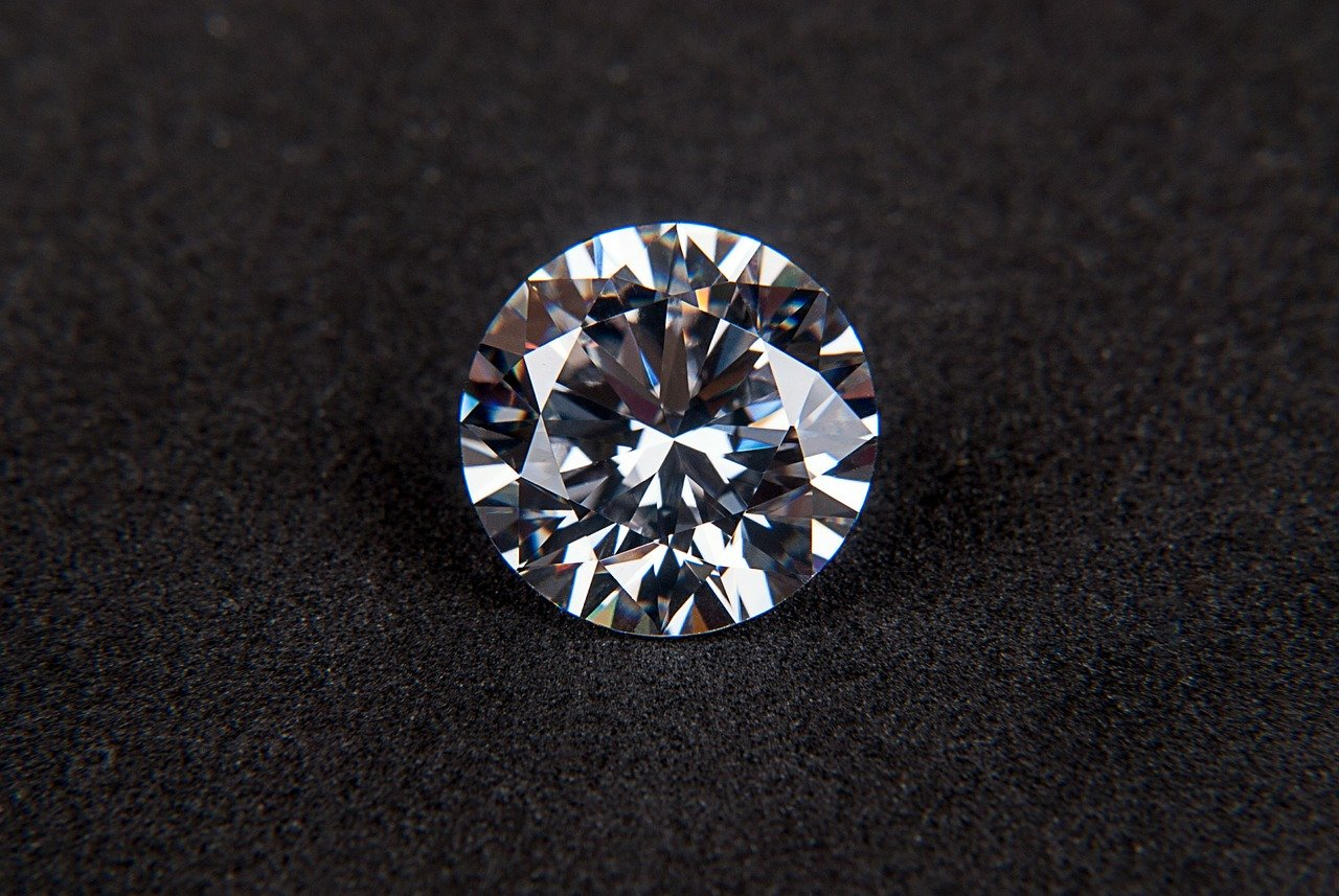 A Beginner's Guide to Buying Diamonds